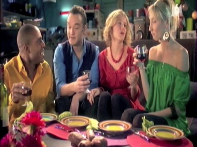"""Vidéo Scènes de ménages """"soirée scoop"""""""