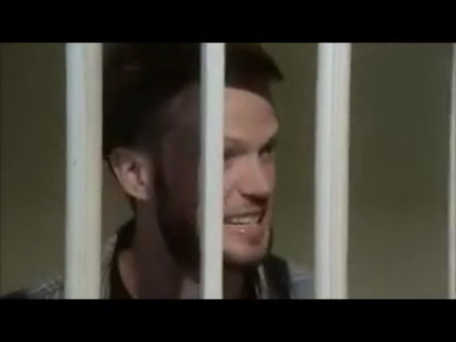 Vidéo Warehouse 13 - rôle de Purcell (dans la cellule)